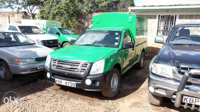 Very clean Isuzu D-max 2010 model. Muthaiga - image 2