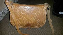 Geniune leather ladies hand bag original from Argentina