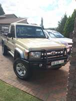 land cruiser 4.0 petrol