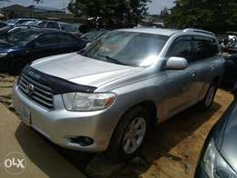Fairly Used 2008 Toyota Highlander For N3.9M Only