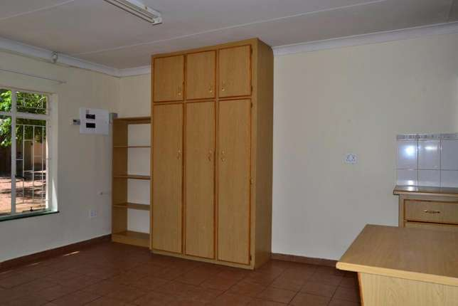 Bachelor's to rent 1.5km from University for students Potchefstroom - image 3