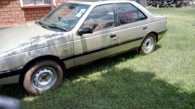 Great condition Peugeot 405. Eldoret North - image 3