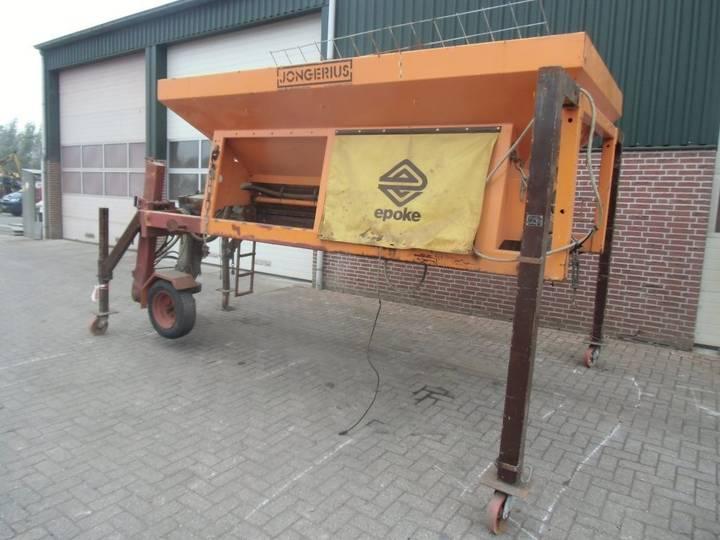 N4562, zoutstrooier vrachtwagen gritter