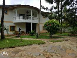 Beautiful five bedroom villa 3 minutes from beach Diani Beach