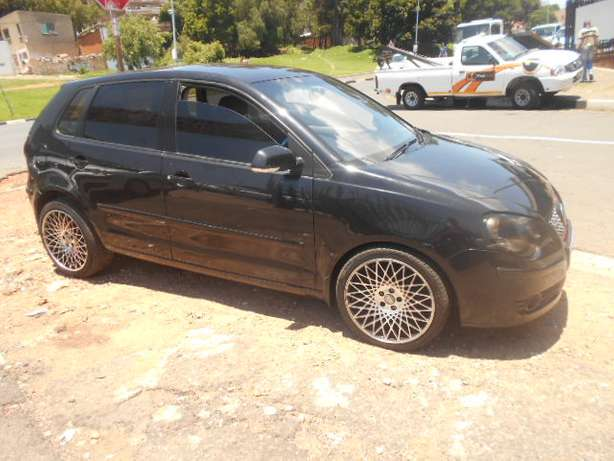 Immaculate condition 2007 VW Polo 1.4 Hatch with mags and sound Johannesburg - image 2