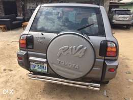 1999/2000 Toyota RAV4 for sell