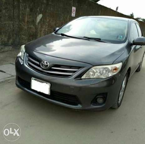2012 Toyota Corolla with push button ignition and bluetooth Ikeja - image 1