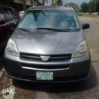 Registered 2005 model toyota sienna in an excellent working condition.