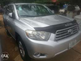 Few months used toyota highlander 2009 buy n travel tincan cleared