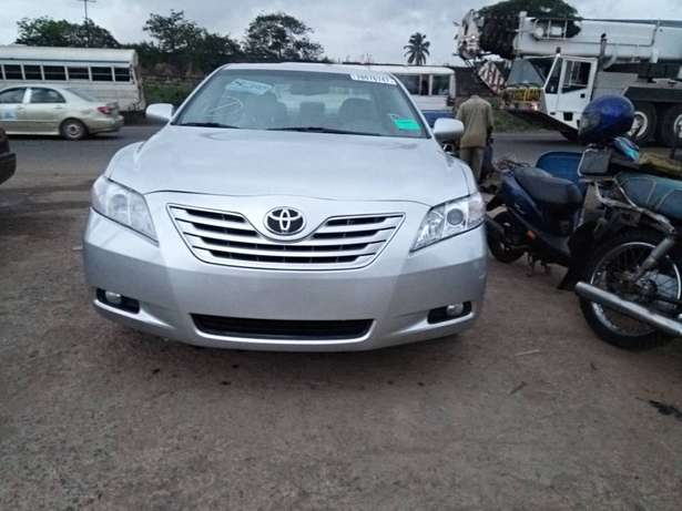 Very clean toyota camry Ojodu - image 4