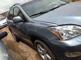Tokunbo 05 Lexus RX-350 Full Option