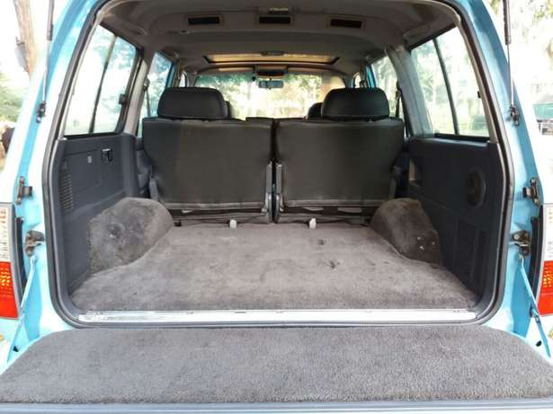 Off-road lover! Toyota Landcruiser Auto Petrol Extremely Clean Karen - image 8