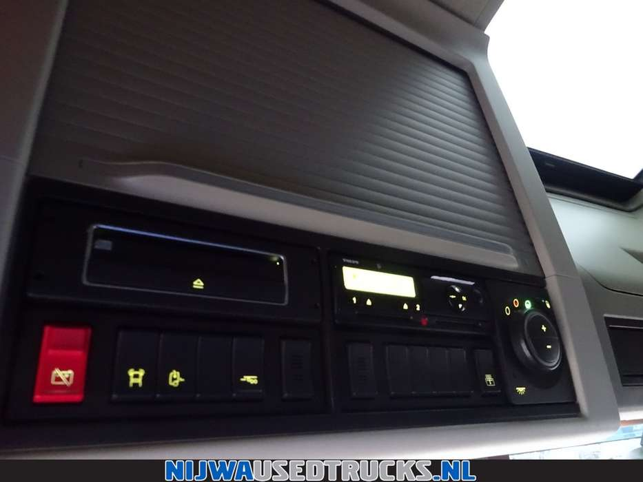 Volvo FH 500 ADR + I-Parkcool - 2015 - image 13