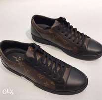 New Louis Vuitton Brown unisex sneakers