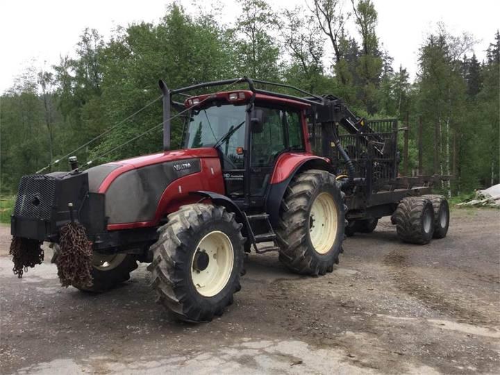 Valtra Traktor T120 - 2005