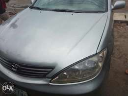 Clean Toyota Camry 2005 for sale.