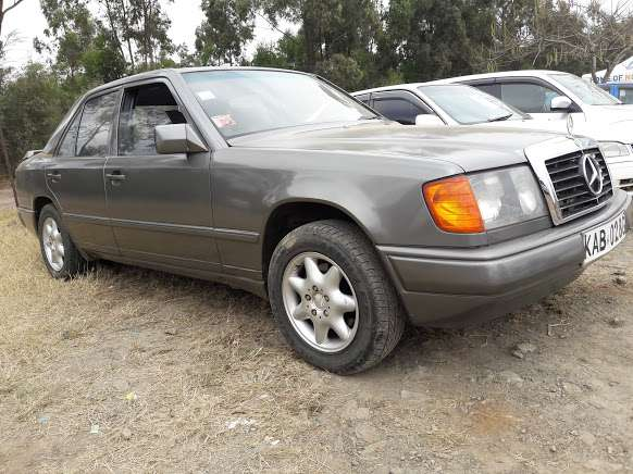 Classic Mercedes Benz E230 on sale Westlands - image 2