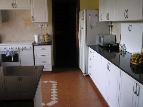 Luxurious Apartment For Sale in Kilimani, off Dennis Prit Rd, Kshs 25M Nairobi CBD - image 2