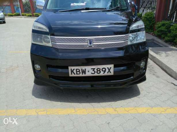 Very Clean Toyota Voxy KBW for sale Gatwikira - image 8