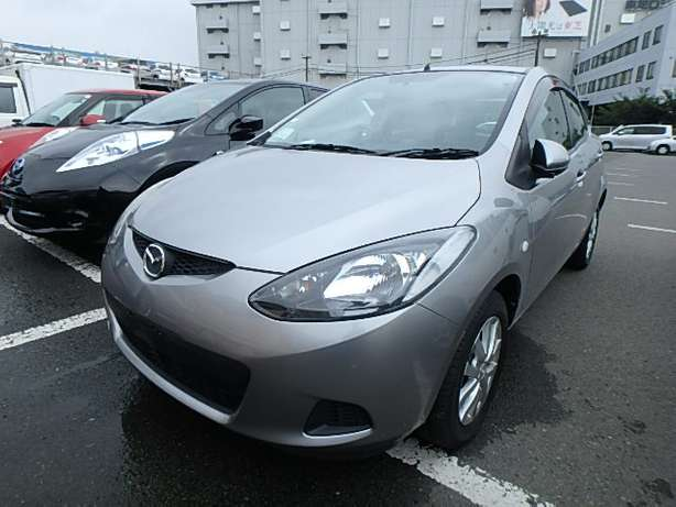 Mazda Demio 2010model KCM 1300cc on offer Mombasa Island - image 2