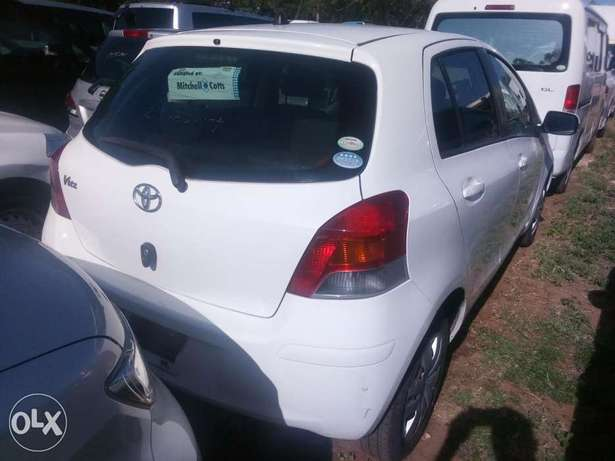 Vitz Toyota 2010 model,1000cc,brand new on sale Mombasa Island - image 2