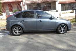 2007 ford focus 1.6 hatchback,grey,82 000km,for sale