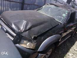 Ford ranger Double cabin kCJ with damaged roof