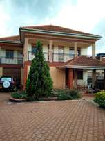 3 bedrooms double storage for rent Bukoto