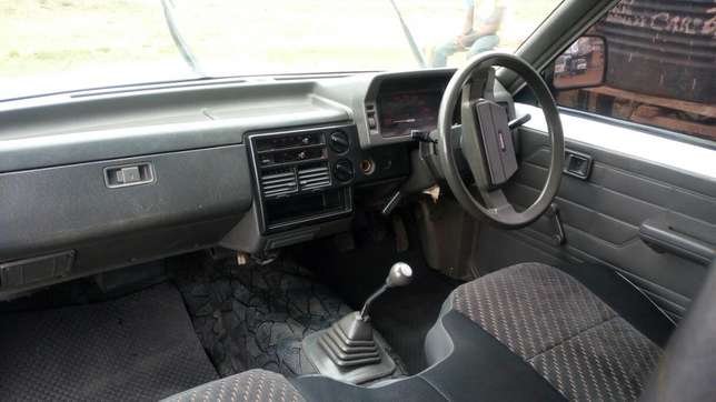 Mazda B2200 5 speed manual,petrol,Extremely neat. Ruiru - image 7