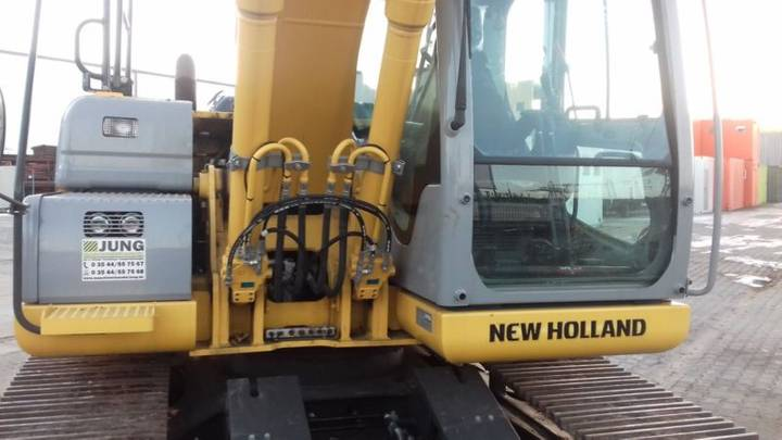 New Holland E135b - 2014 - image 12