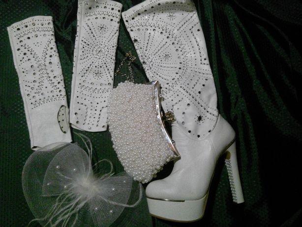 Весільне взуття  2 500 грн. - Весільні сукні Львів на Olx f5ba0b8560977