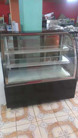 Cake chiller/cake chiller display,3level,1.2m lenght,curved glass,new City Centre - image 2