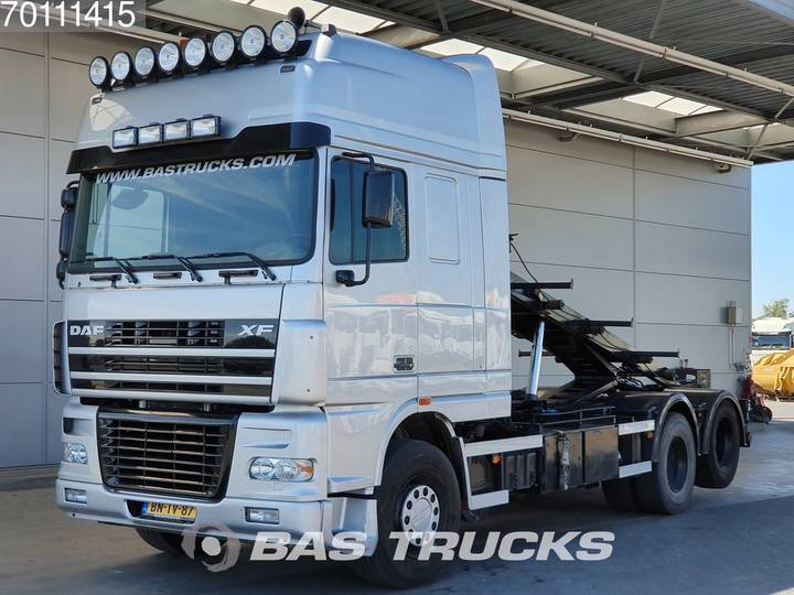 DAF XF95.530 SSC 6X2 NL-Truck Intarder Liftachse Euro 3 - 2003