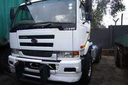 2008 Nissan double axle UD440 Truck-Tractor