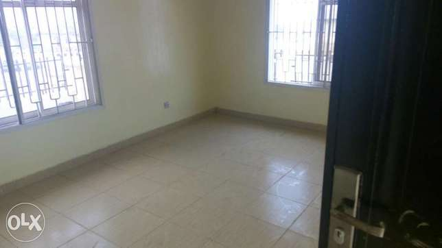 Two bedroom flat for rent adegun estate laaderin Abeokuta South - image 4