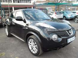 A Nissan Juke, 2012 model, factory a/c, c/d player, central locking, b