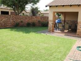 A lovely 3 bed 2 bath ground unit for rent in Kyalami.