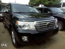 Toks 2013 Toyota Land Cruiser. Black. Full option