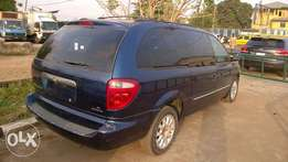 Very Clean Tokunbo Chrysler Town & Country 01