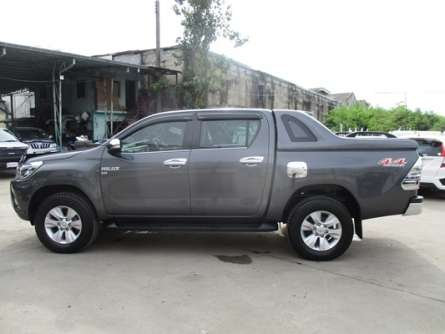 2015,Toyota Hilux Brand New,Fully loaded. Parklands - image 2