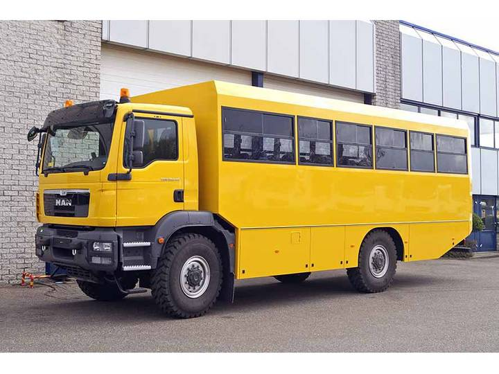 MAN TGM 18.240 BB 4X4 BUS (2 units)