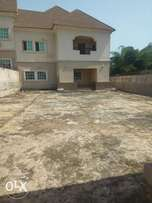 5bedroom duplex with 2rooms bq at old GRA for Rent