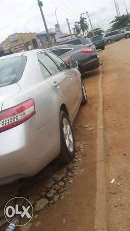 Super sharp 1st body neatly used red 2010 Toyota Camry Ipaja - image 2