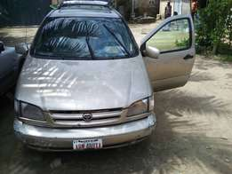 2000 model Sienna for sale at a giveaway price.