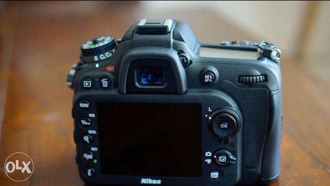 Nikon 7100 body only 9k like new