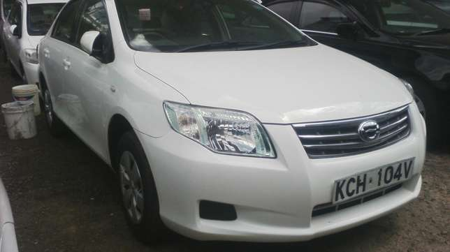 Toyota Axio, very clean. Parklands - image 2