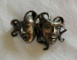 Vintage sterling silver pin broach of comedy and tragedy