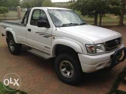 2003 Toyota Hilux 2700i Raider SC for 39999