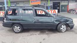 Opel Astra Estate 1.6 Lt breaking for PARTS!!!