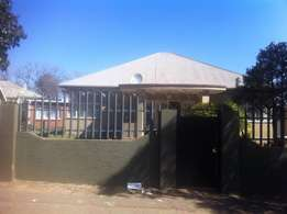 4 Bedrooms House Available To Rent And Move In Now